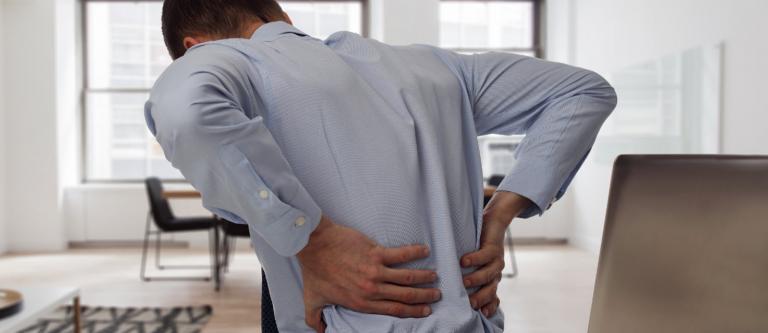 El Constitucional avala el despido por faltar al trabajo durante la baja médica. Por Tania Pose