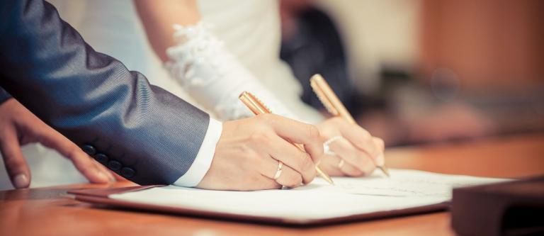 """""""Estoy en contra del matrimonio, pero ¿qué consecuencias tiene no estar casado si mi pareja fallece?"""". Por Mariluz García"""